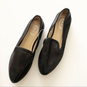 Shoes - Perforated black flat shoes 9 flats slides